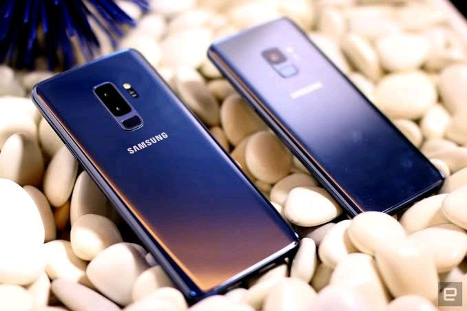 Samsung Galaxy S9 & S9+ Cameras Receive Night Mode